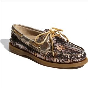 Gold Sperry top sider size 7.5